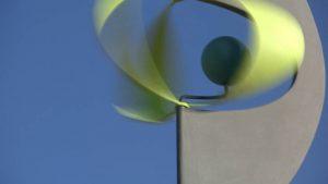 Sculpture éolienne. sculpture animée par le vent et le soleil