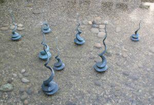 sculpture sur plan d'eau